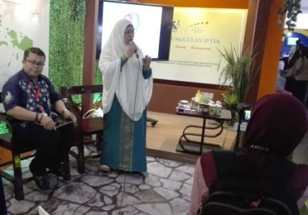 Seminar Produk Oleh Prof. Dr. Ir. Sutinah Made, M.Si.